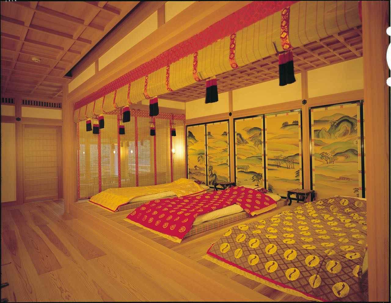 画像1: 【平安時代】平安装束を身にまとい、王朝貴族気分の滞在を堪能できる「社乃森」