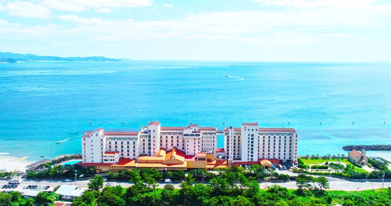 画像1: 【徳島】ご当地グルメをホテルスタイルに。「アオアヲ ナルト リゾート」の鳴門鯛カツバーガー