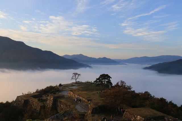 画像4: 【兵庫】雲海が魅せる神秘の絶景!日本のマチュピチュと称される『竹田城跡』