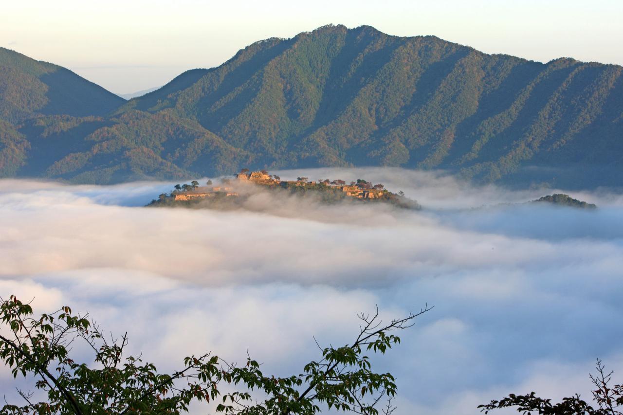 画像3: 【兵庫】雲海が魅せる神秘の絶景!日本のマチュピチュと称される『竹田城跡』