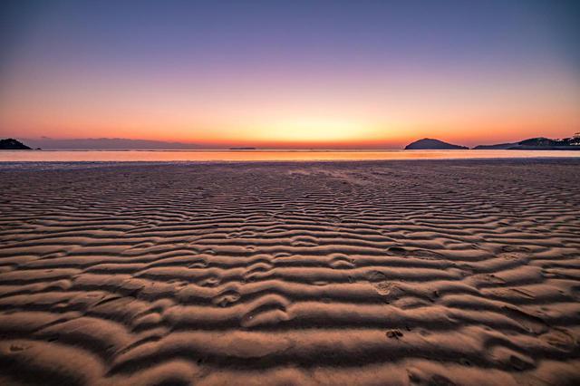 画像5: 【香川】まるでウユニ塩湖!天空の鏡に映し出された奇跡の絶景『父母ヶ浜』
