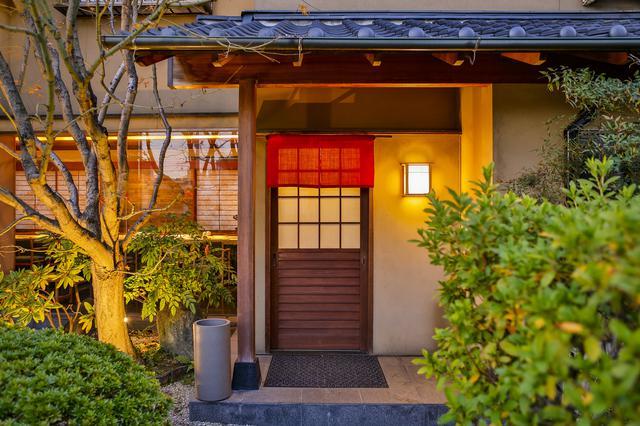画像2: 住宅街のミシュラン1つ星、国内外から注目される鮨屋「菊鮨」でランチ