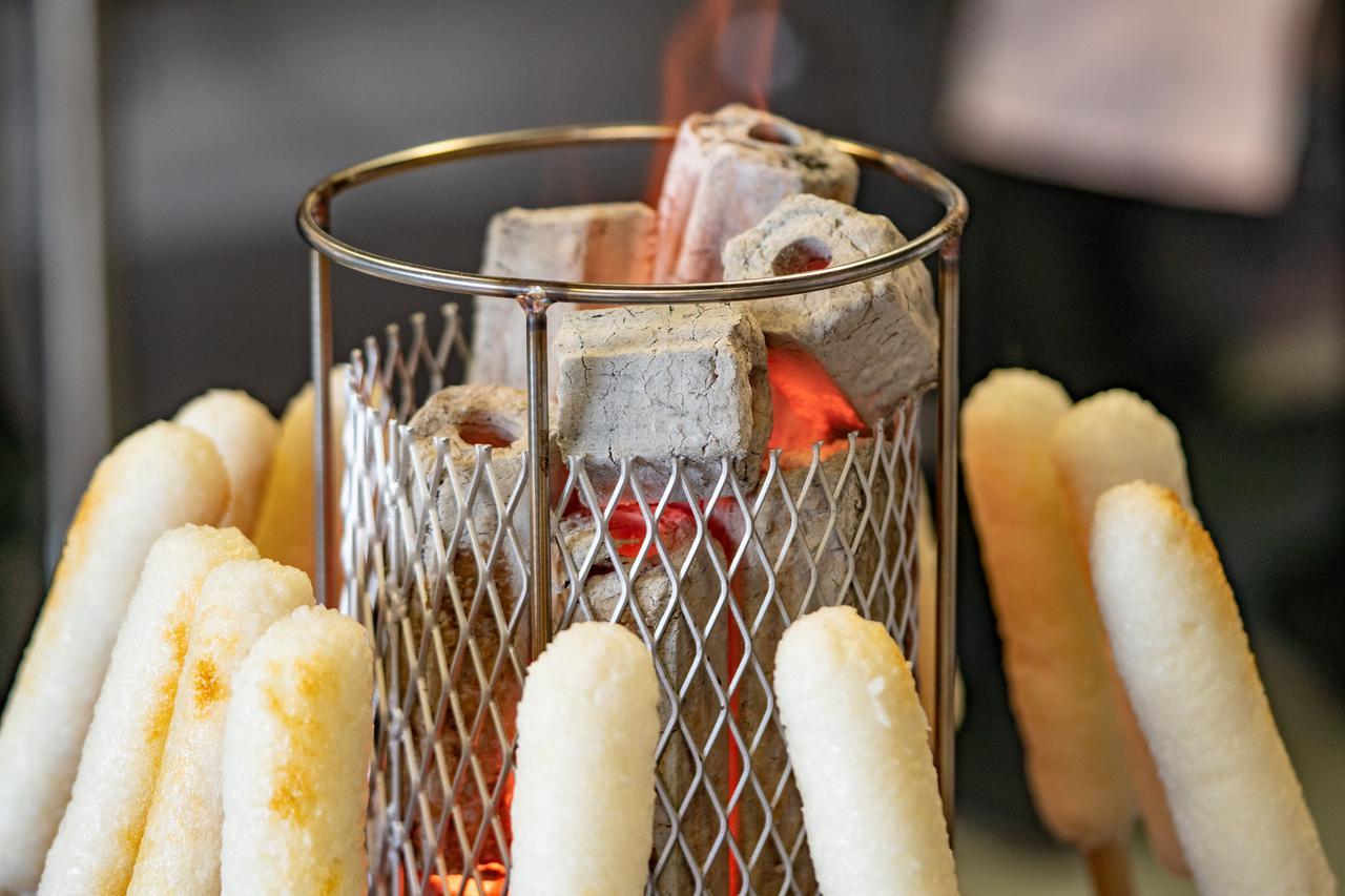 画像2: 【秋田】地元No.1の「きりたんぽ」を鍋と味噌焼きで堪能