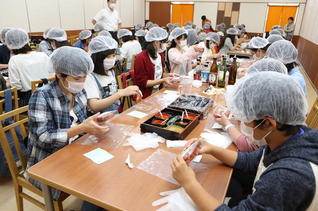 画像3: 【福岡】好みの唐辛子やお酒を選んで自分仕立ての「明太子」を作る
