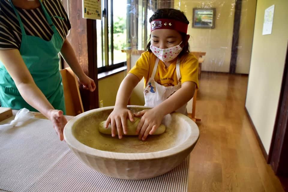画像5: 【長野】日本屈指のそば処・戸隠で「そば打ち」の神髄を学ぶ