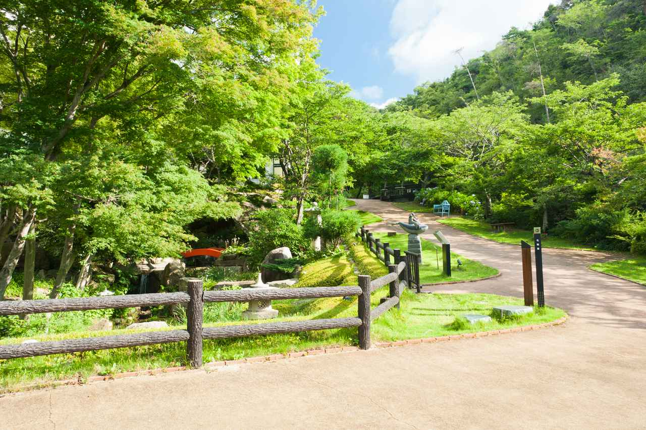 画像4: 【広島】「海の見える杜美術館」で広大な瀬戸内海に囲まれる