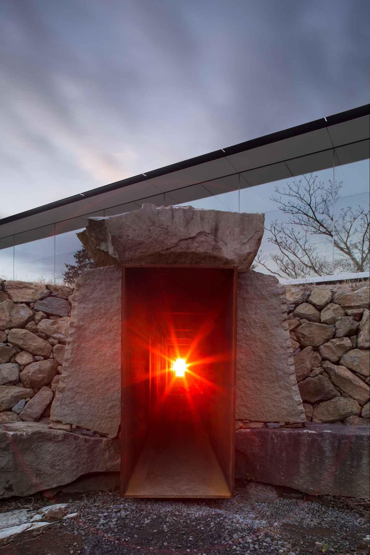 画像: 冬至光遥拝隧道 ©小田原文化財団/Odawara Art Foundation