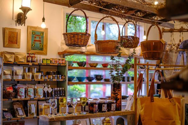 画像: 作り手の想いまで届けてくれる、商品への愛を感じる温かいお店でした。県内でもなかなか手に入らない商品もあるそうですよ。