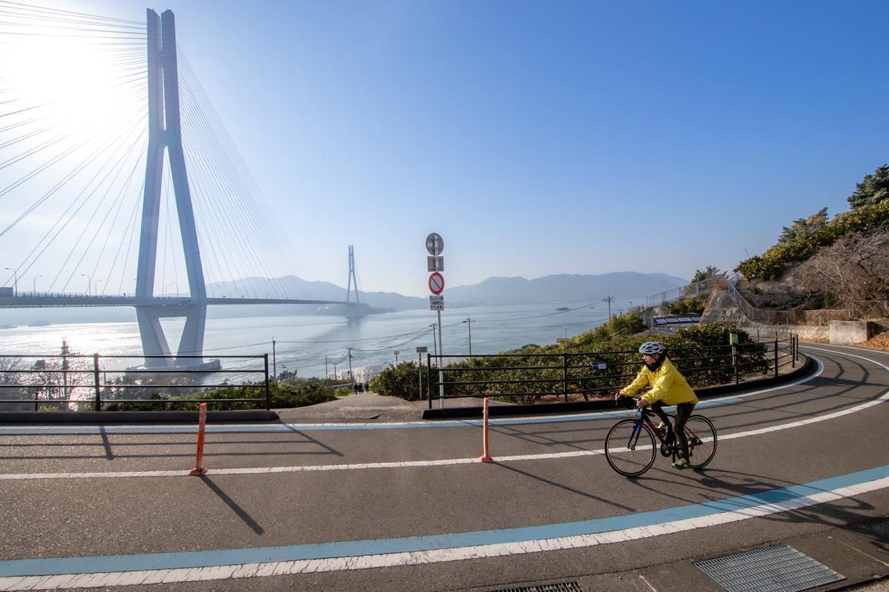 """画像1: """"愛車と飛行機""""の夢を叶えます。JALの輪行サービスで行く、しまなみ海道サイクリング"""