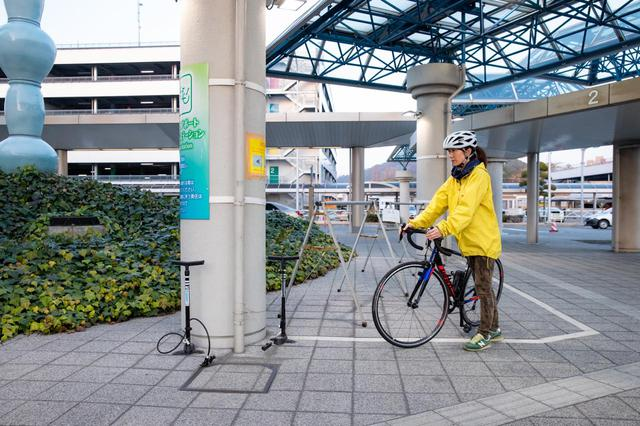 画像4: 松山空港で愛車と対面。サイクリング旅の準備はラクラク
