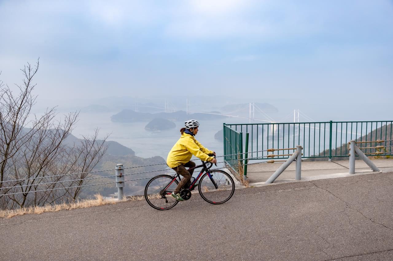 画像1: 脚力と体力に自信があるなら、絶景広がる「亀老山展望公園」へ