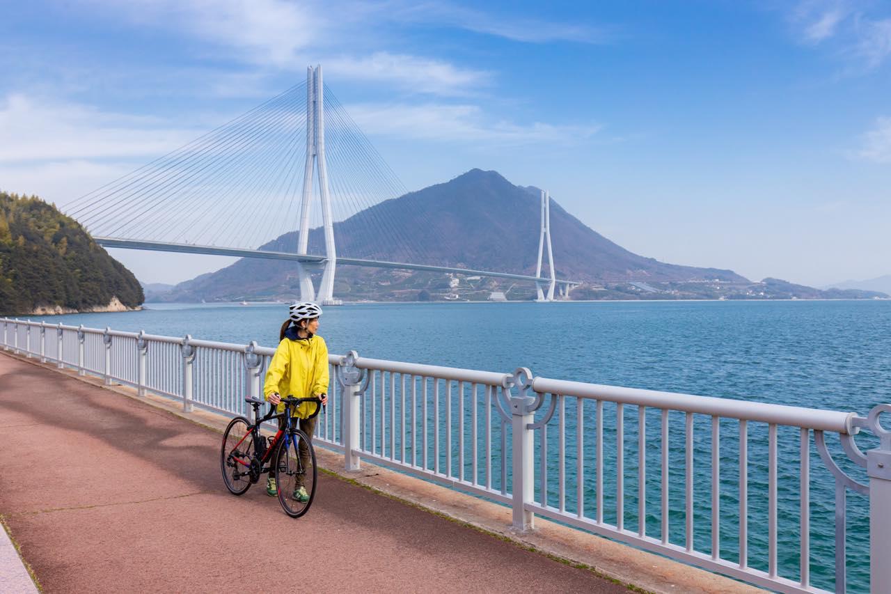画像1: サイクリストならぜひ訪れたい「サイクリストの聖地碑」(多々羅しまなみ公園)