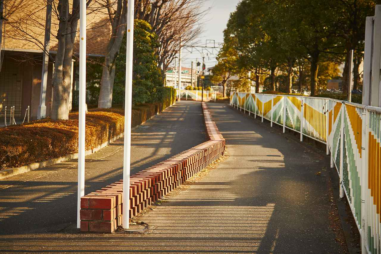画像: あかね通り(旧日本煉瓦製造株式会社上敷免工場 専用鉄道線跡)