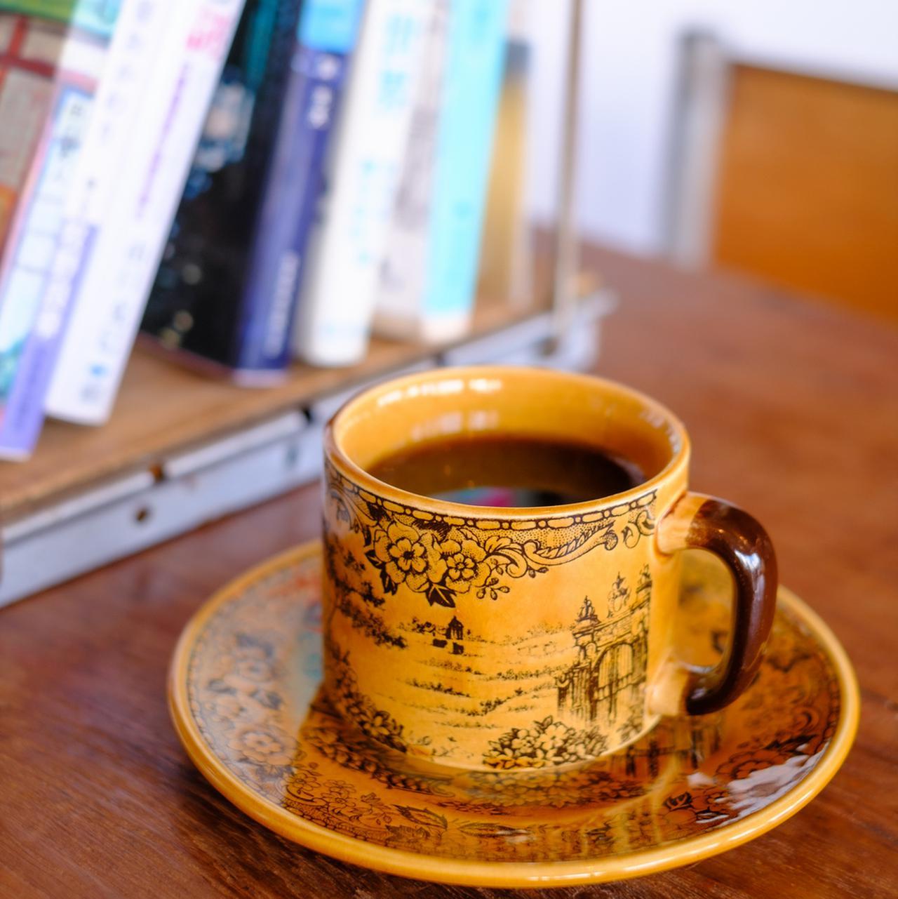 画像: コーヒーをいただきながら落ち着いた時間を過ごせます。