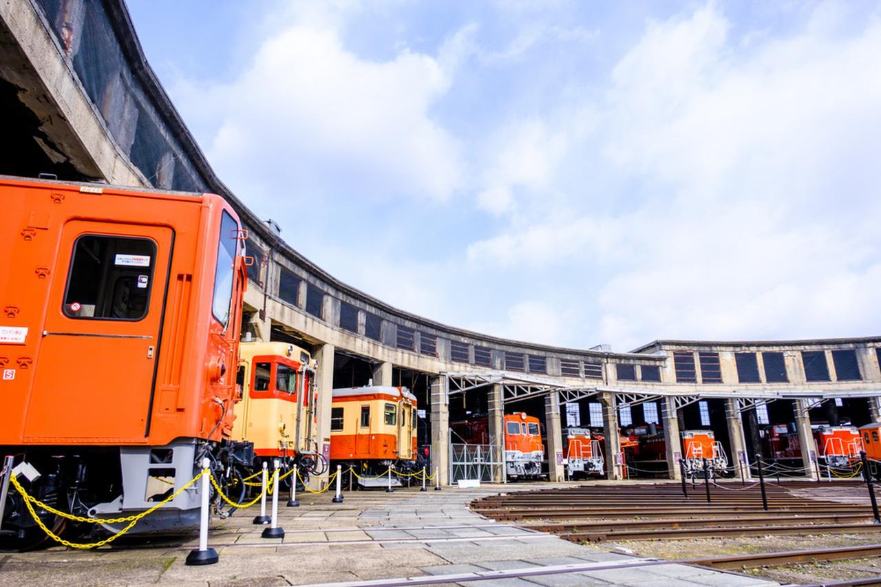 画像: 津山まなびの鉄道館は津山駅からすぐの立地。