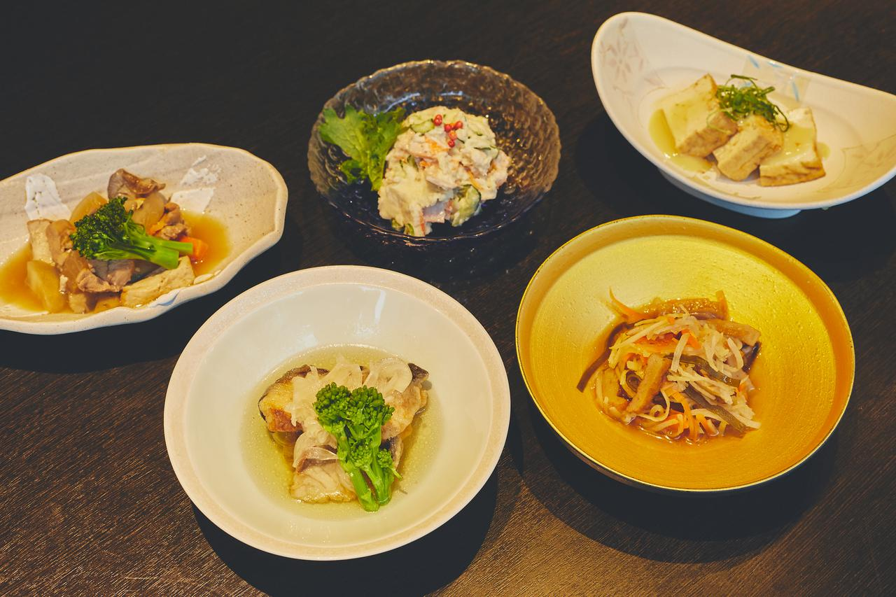画像3: 高知市街の居酒屋で高知の食材をツマミに高知の日本酒を飲み比べ