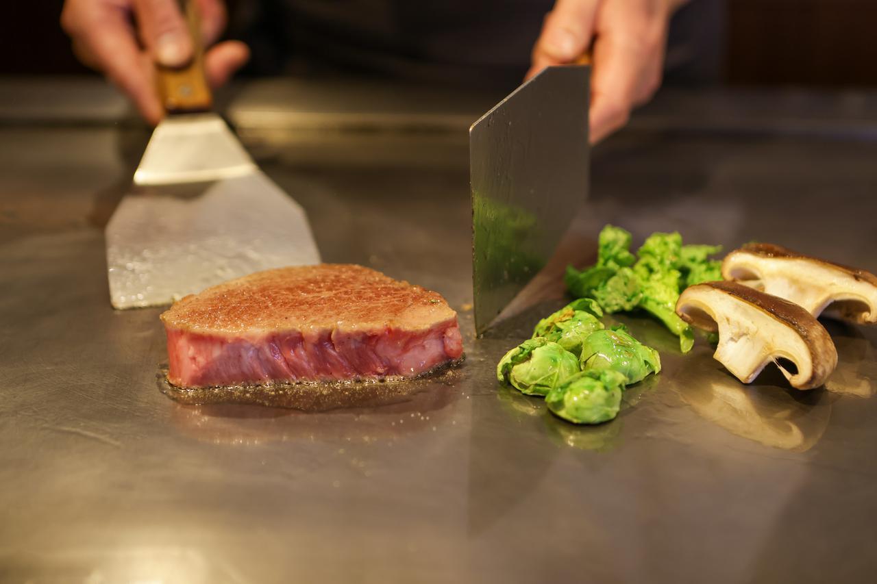 画像2: 肉の都・津山だからこそ味わえる厳選和牛を鉄板焼きで。「Steak&Wine Bocci」
