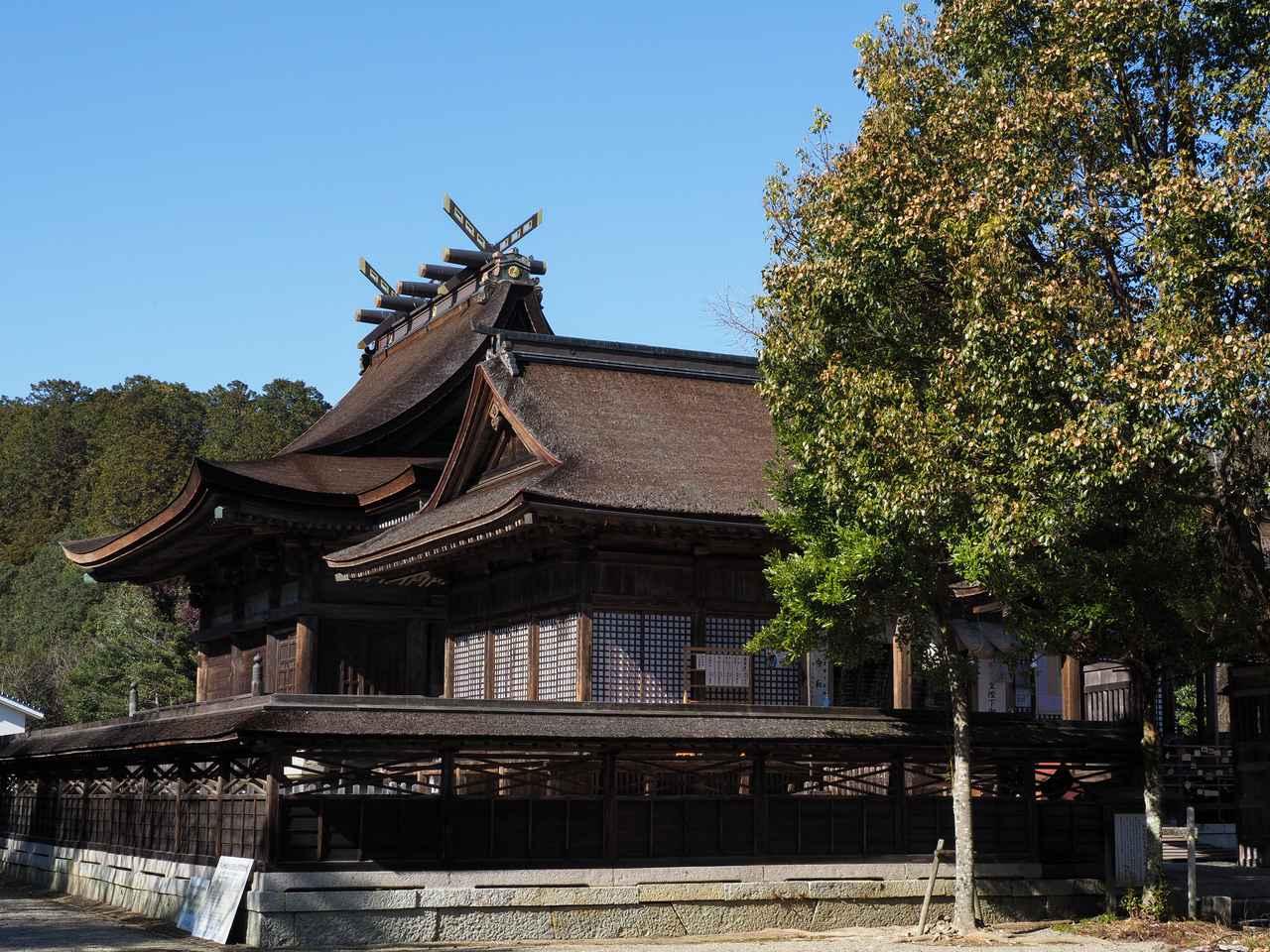画像1: 牛馬の安産守護の神として知られる由緒ある「中山神社」
