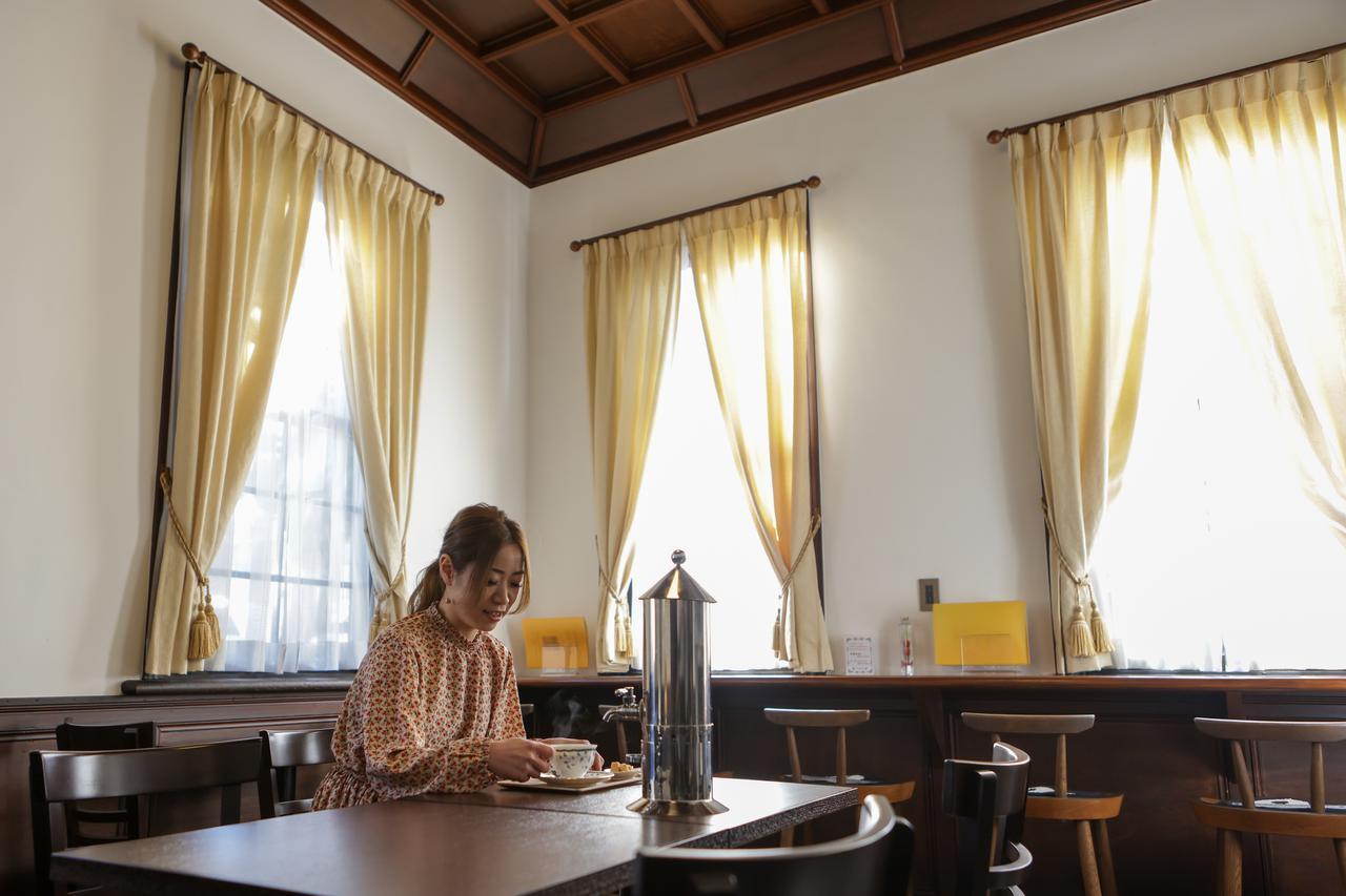 画像3: 「城西浪漫館」喫茶室でコーヒーを飲み、津山ゆかりの先人に思いを馳せる