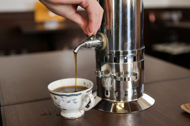 画像4: 「城西浪漫館」喫茶室でコーヒーを飲み、津山ゆかりの先人に思いを馳せる