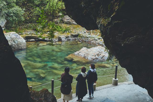 画像1: 「奇跡の清流」仁淀川と巨岩の織りなす大自然の神秘を体感