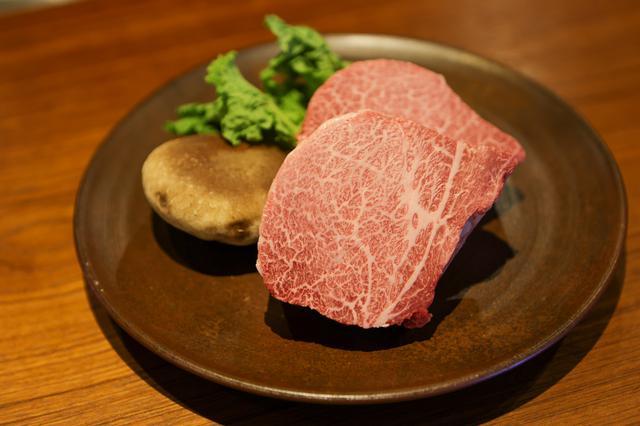 画像1: 肉の都・津山だからこそ味わえる厳選和牛を鉄板焼きで。「Steak&Wine Bocci」