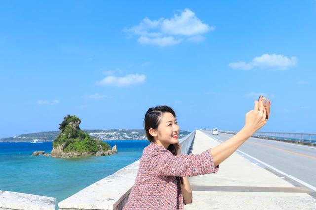 画像2: 美しいビーチが広がる「古宇利島」で、沖縄の自然に癒される