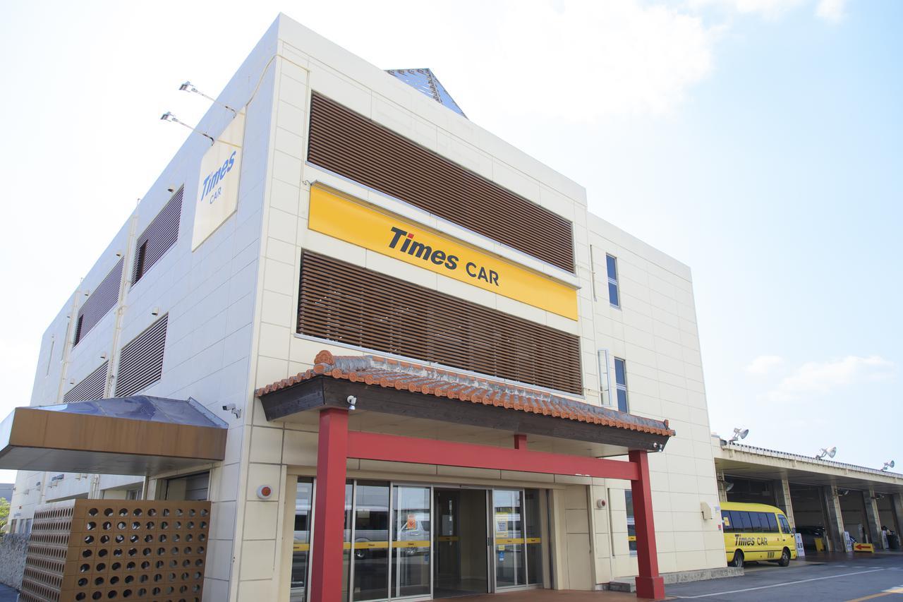 画像2: 那覇空港到着。JALカードでスムーズにレンタカーを借りて旅がスタート
