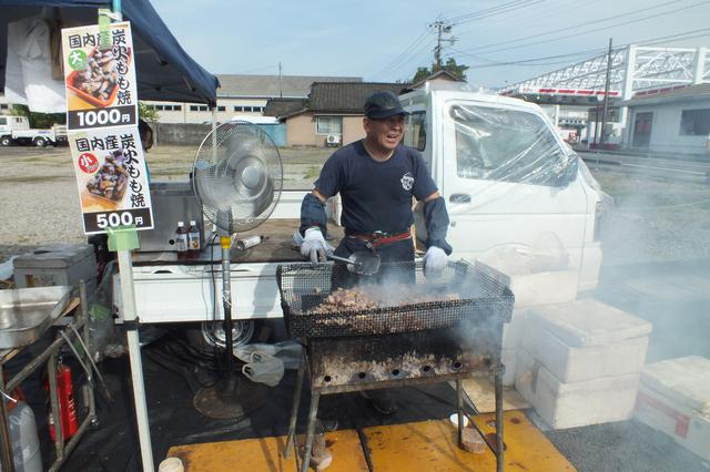 画像4: 【休日】日本一の規模を誇る「定期朝市」トロントロン軽トラ市も|トロントロンドーム(川南町)