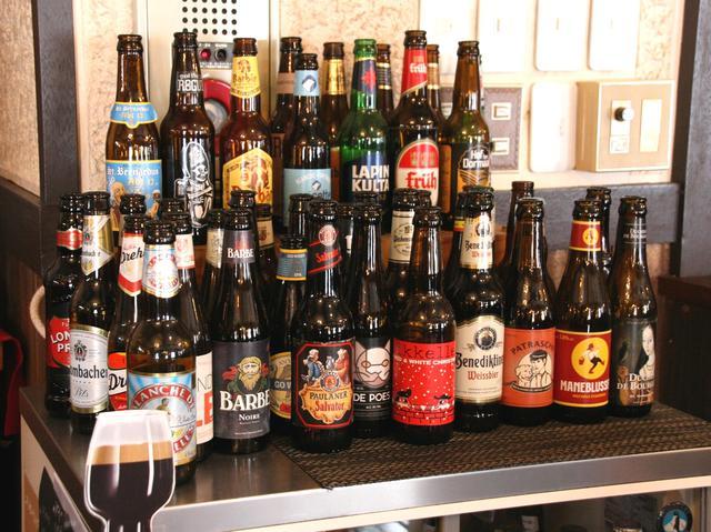 画像: 北海道を始め、様々な世界のビール(ピルスナー、バイツェン、エール)などが揃う