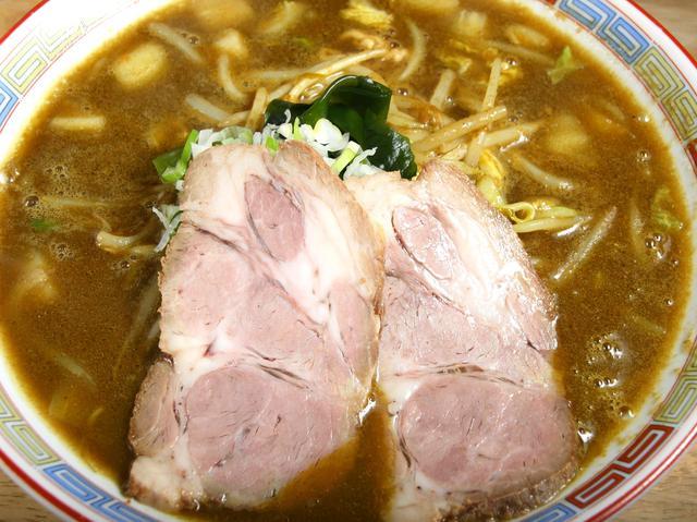 画像: カレーラーメン。麺、スープはもちろん、肩ロースの美味しさもGOOD