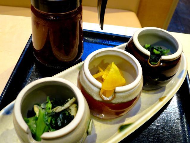 画像: 御膳は漬物3種食べ放題、ご飯(白米or玄米)・キャベツおかわり自由