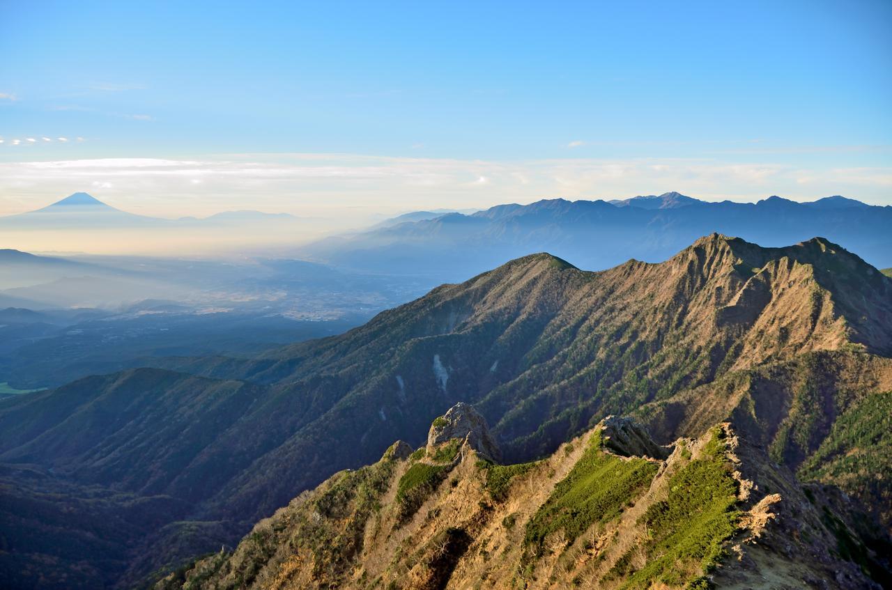 画像: 絶景スポット6「八ヶ岳から諏訪湖までの山々」