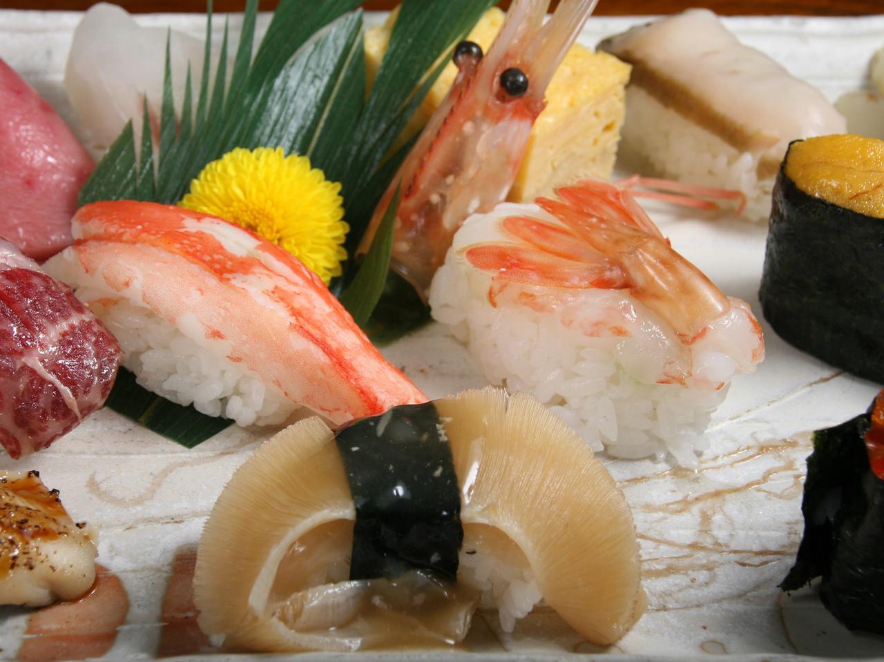 画像: フカヒレや白牡丹海老、カニ、ウニ、あわびなど贅沢三昧で3,800円は超お得