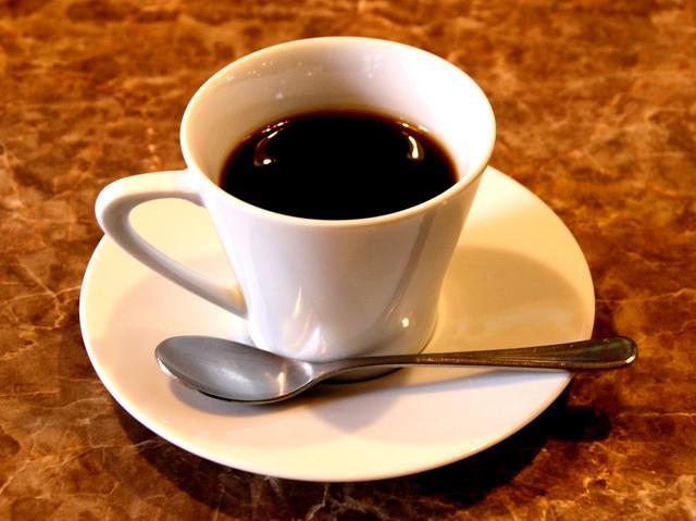 画像: コーヒーは初代の清吉氏によるブレンドそのままの味を、今も守り続ける