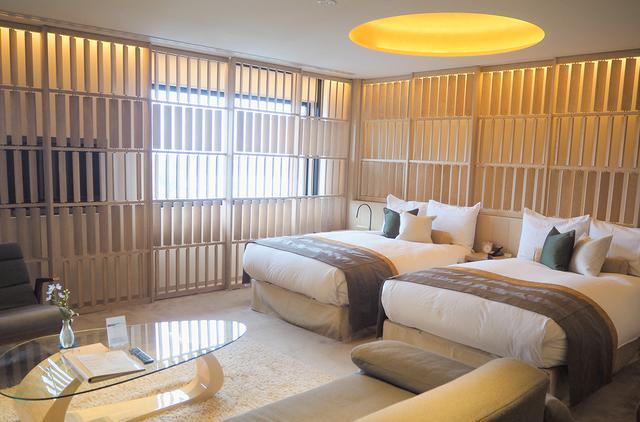 画像1: 白木の温もりに包まれた客室で、のんびり羽を伸ばす