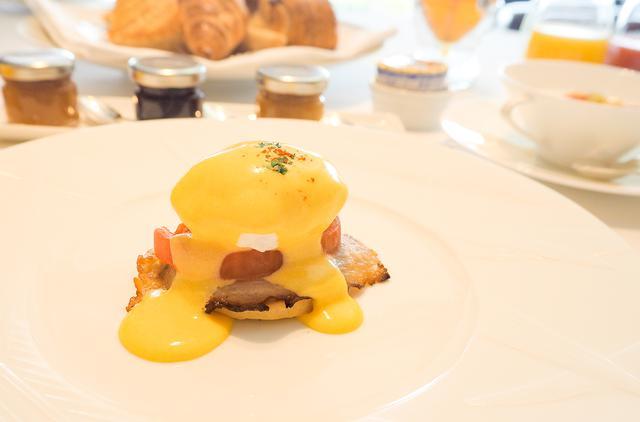 画像5: 幸せな1日を予感させる、美しく優雅な朝食