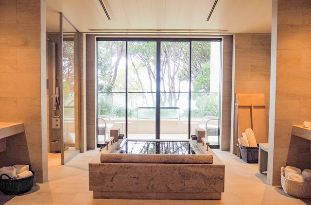 画像1: プライベート重視なら、露天風呂付き客室をチョイス