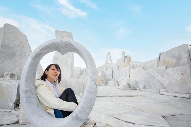 画像3: 神秘的な白亜の世界が広がる、話題の大理石庭園へ