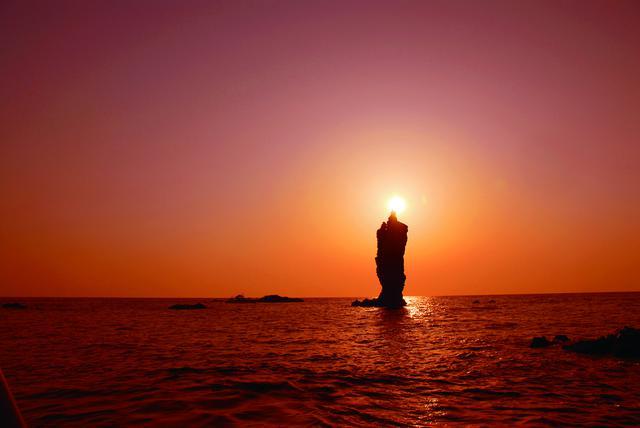 画像: 【島後】ローソク島