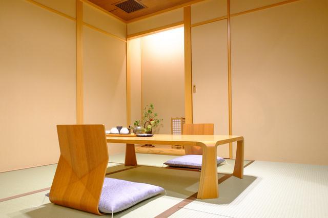画像: 「ホテルプラザ迎賓」の特別室には畳を使ったスペースあり。