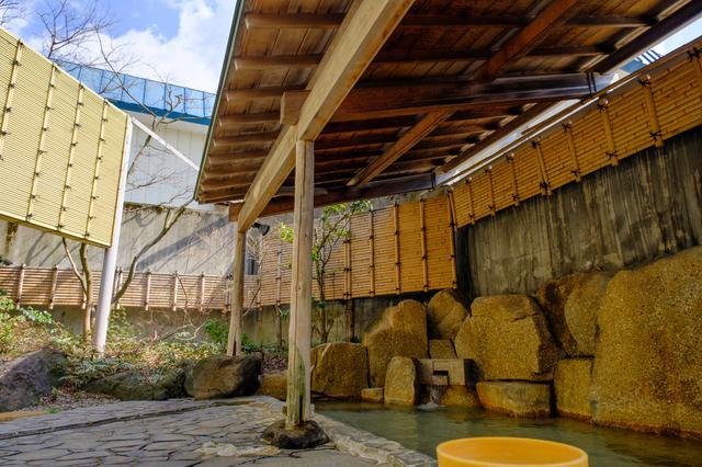 画像: 日帰り温浴可能な「ゆうゆうプラザ」。露天風呂付大浴場があります。