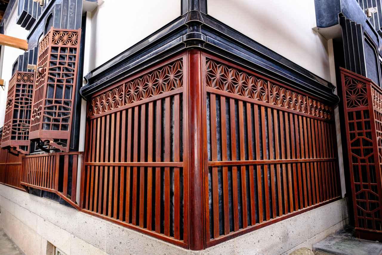 画像: 増田町のまちなみで内蔵を見学します。
