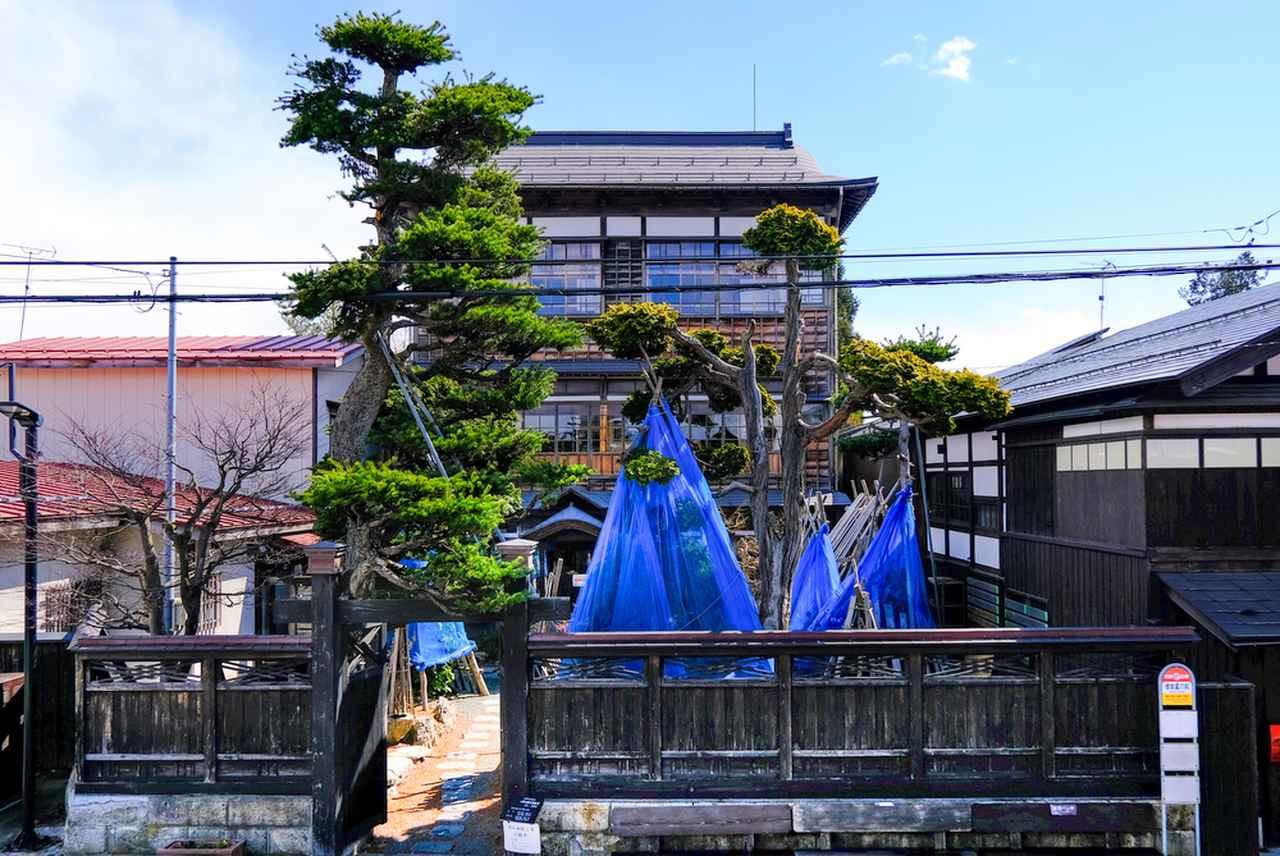 画像: 戦前までは造り酒屋、戦後は病院を経営していた和洋折衷の木造三階建「旧石田理吉家」。