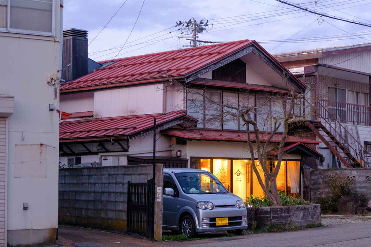 画像: 築100年以上の古民家を改装した一軒家レストラン。