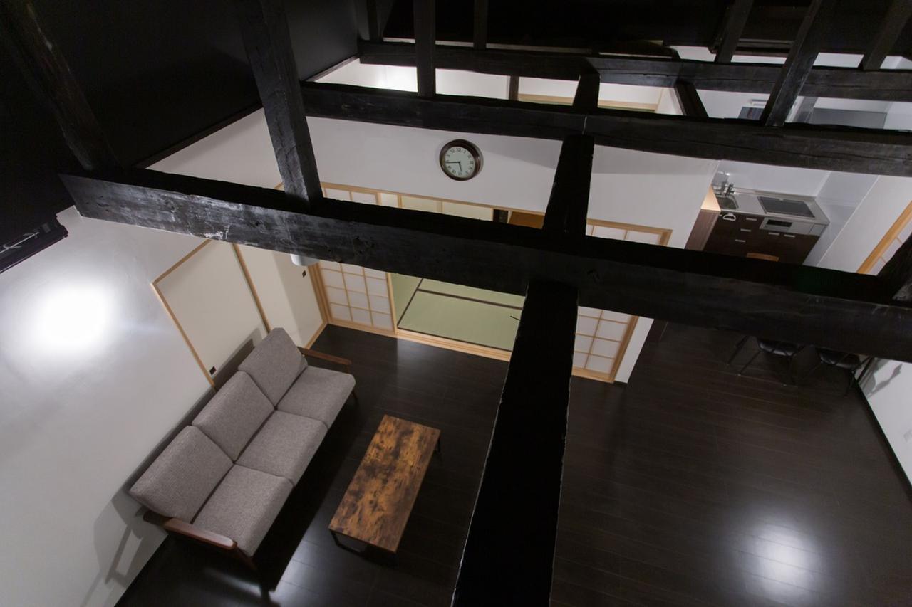 画像: 納屋を改装した「tani」は開放感ある吹き抜けが魅力