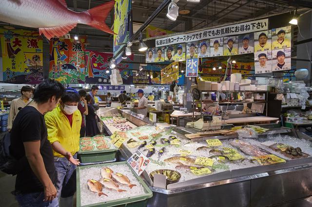 画像: 朝から「とれとれ市場」で海の幸に舌鼓