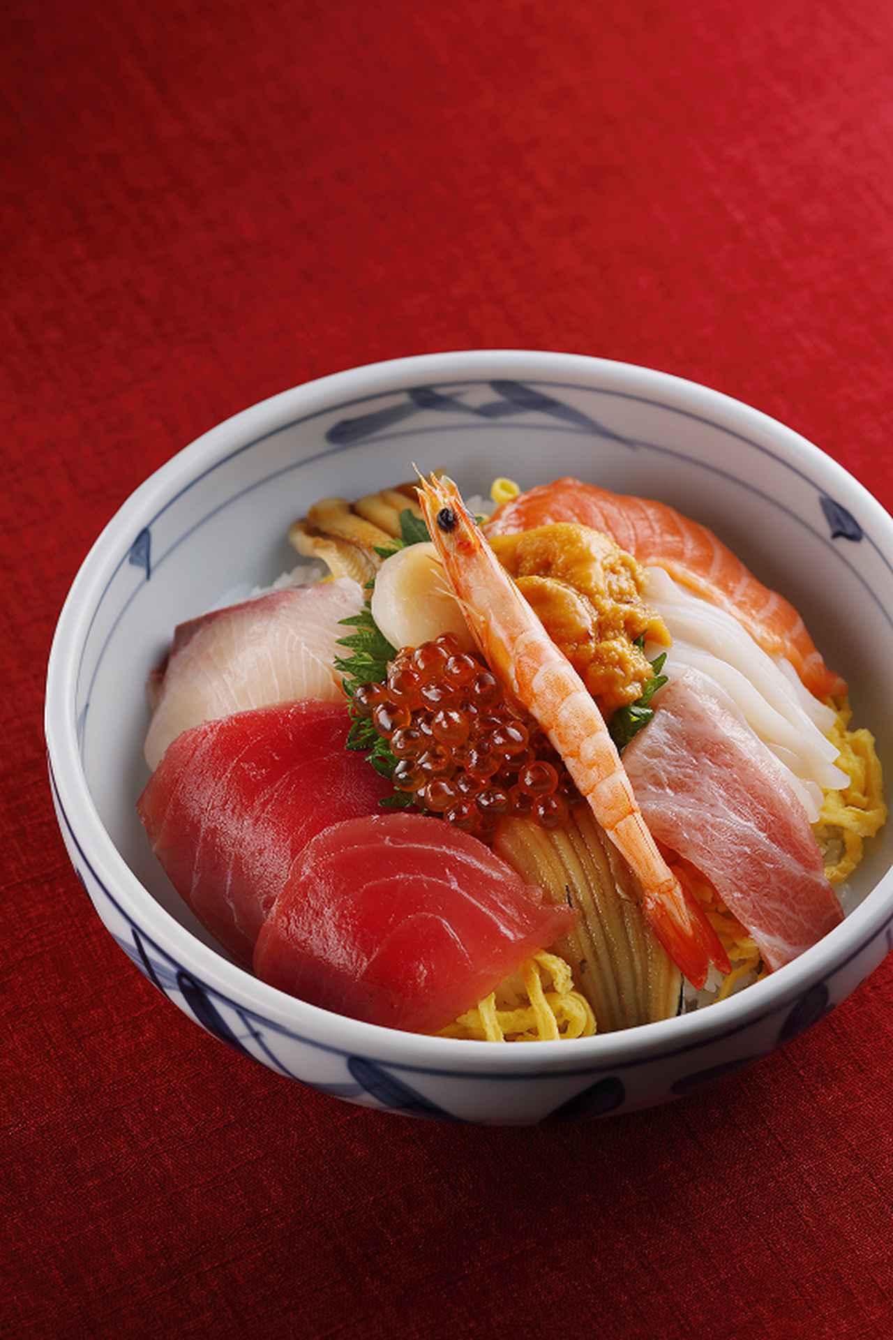 画像: 海鮮丼(2,100円・税込)