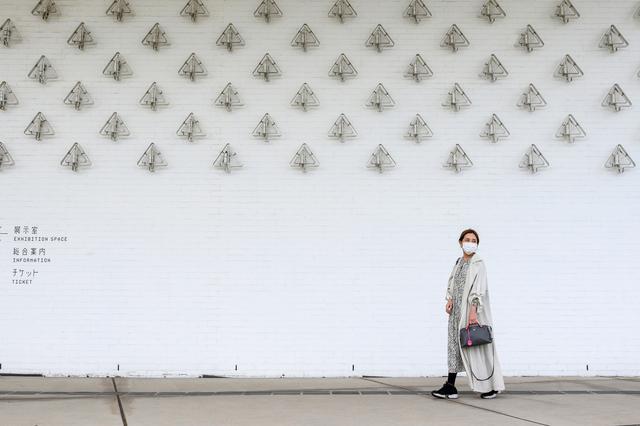 画像1: ご機嫌はいかが?「あおもり犬」にご挨拶|青森県立美術館