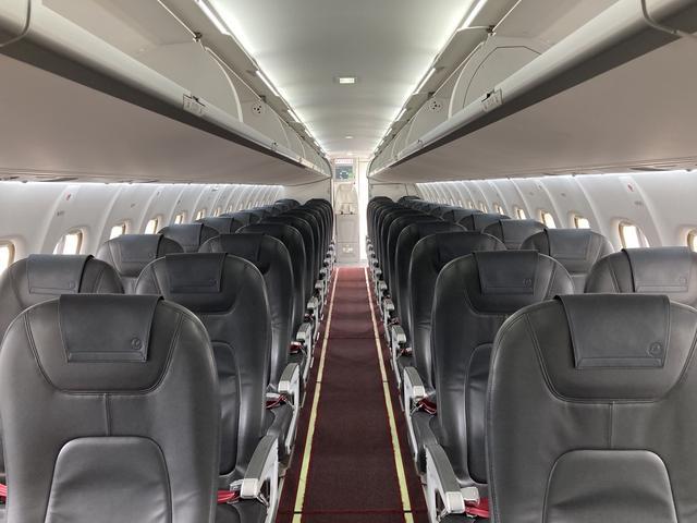 画像: ATR42の機内